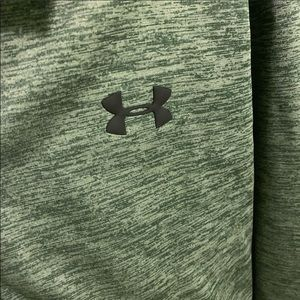 NWT under armor pullover